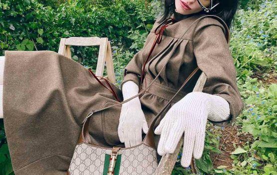 Está de volta o design clássico da bolsa Jackie da Gucci.