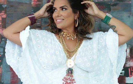 Adriana Regis por Fernando Torquatto