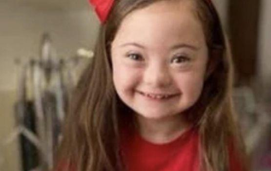 Francesca  de 4 anos com síndrome de Down é a nova modelo da Gucci. Ser diferente é de onde vem a sua beleza