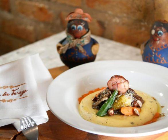 Prato: Polenta do mar com ragu do sertão | Restaurante Casa de Tereza | Foto: Marcus Claussen