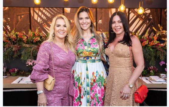 Priscila Diniz com Ivane Barbosa e Aninha Marques - Foto: Fabio Peixoto