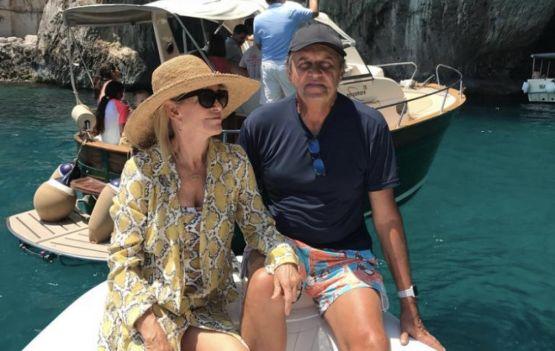 Jussara e Joaquim Telles chegando para veraneio na Gamboa