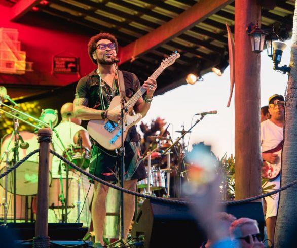 Jau agitou a festa SIM – Sol, Ilha & Música, na paradisíaca Ilha Refúgio das Garças