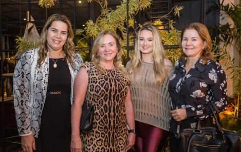 Debora Machado, Lea Nunes, Thais Iglesias e Ivana Magaldi - foto Tati Freitas