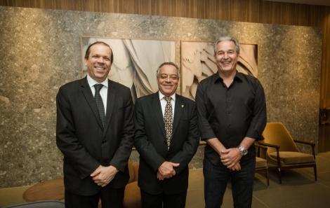 Mario Albiani Jr, José Olegario e Abelardo da Matta - foto Tati Freitas