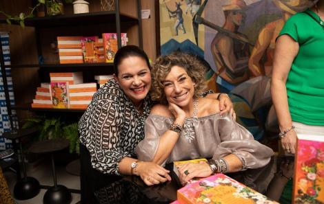 Joana Arcoverde e Consuelo Blocker