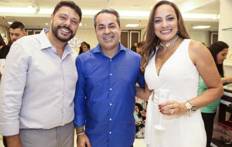 Cleber Fiori, Ginno Larry e Carolina Costa - Foto de Renata Marques