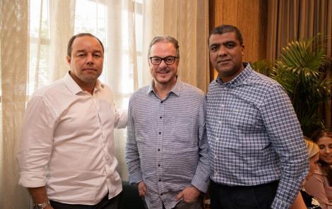 Leo James, Carlos Amorim e Luciano Lopes