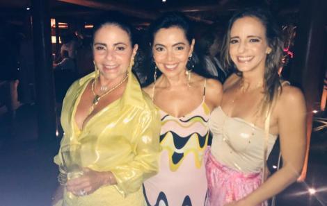 Katia Baiardi entre sua irmã Tina Lima e Sandy Najar