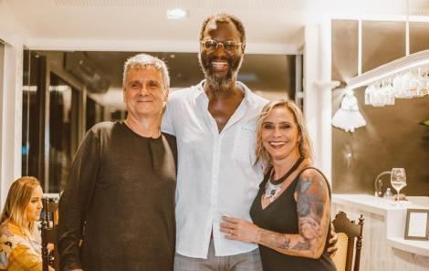 Romildo, Mamadou Gaye (Diretor da Aliança) e Rosa Guerra - Foto Agência Hike