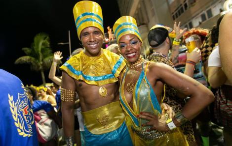 Margareth Menezes soltou a voz com Faraó Divindade do Egito, para promover uma euforia contagiante em um mar de foliões fantasiados.