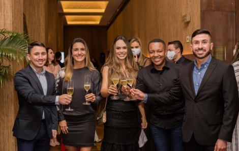 Tamyr Mota, Roberta Roma, Rebeca Cardoso, Uislei Oliveira e Renato Franca