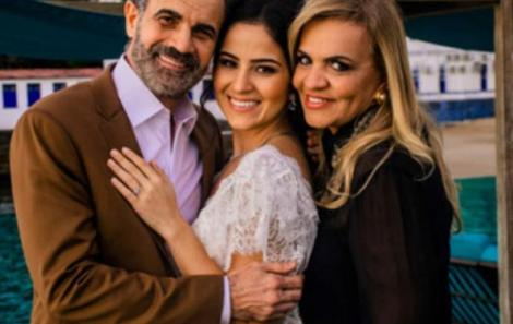 Maria com os sogros Andrea Velame e Inácio Barreto